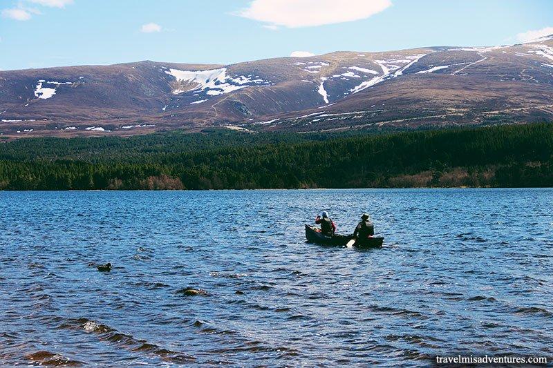 kayak-lago-Morlich-scozia