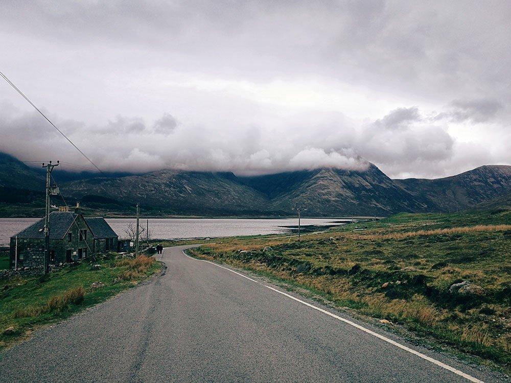 strada-per-arrivare-ad-Elgol-Scozia